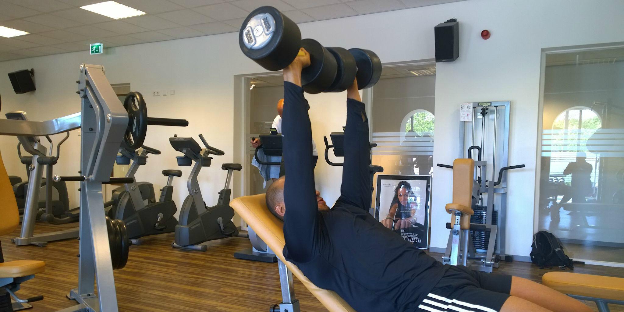 Exercise Assistant Individueel Trainingsschema in combinatie met krachttraining bij Fitness de Bataaf - Sportschool Den Haag.