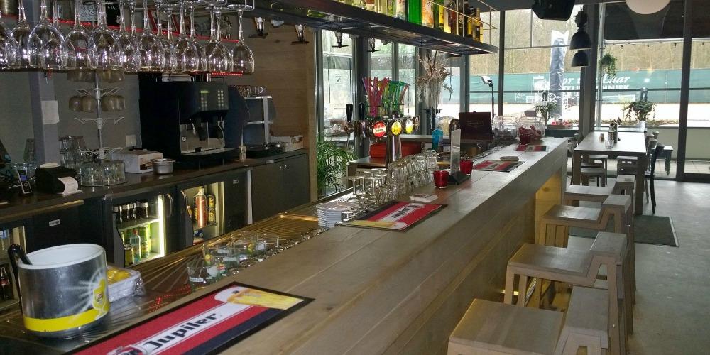 Het gezellige Grand Café van de Bataaf.